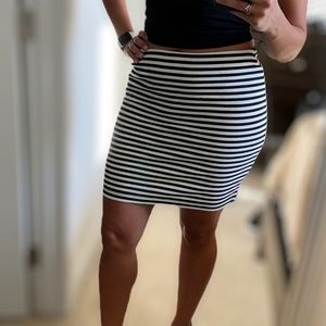Old Navy striped stretchy skirt, medium